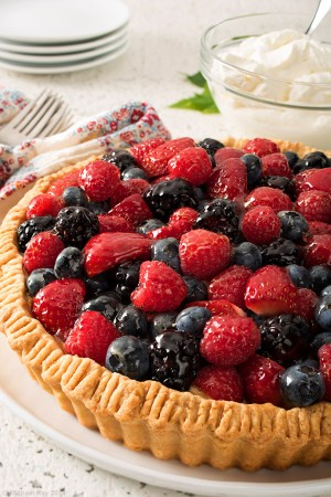berry tart food photography